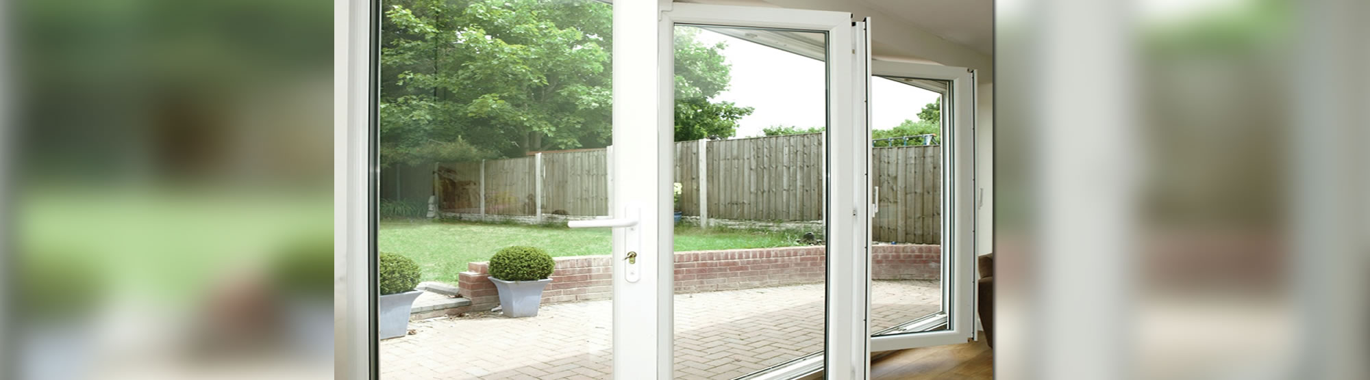 Bi fold doors decra doors doncaster for Door 2 door doncaster